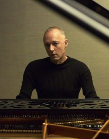 Mike Thorne playing piano