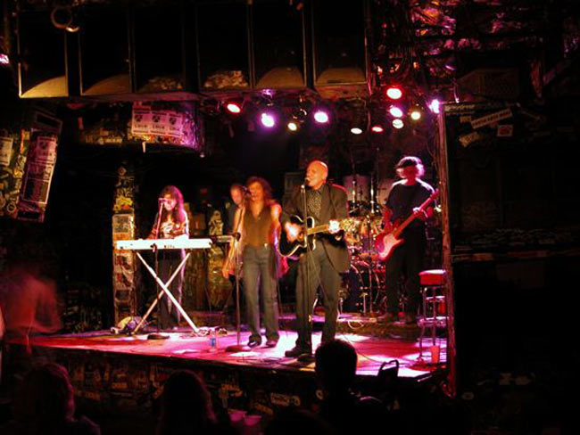 The Shirts on stage at CBGB, New York 2003, their first performance after regrouping